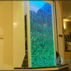 Ściany wodne bąbelkowe. Nowe realizacje dla inspiracji.