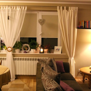 Mój salonik i kuchnia wieczorową porą...:-)