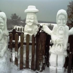 Śnieżne rzeźby