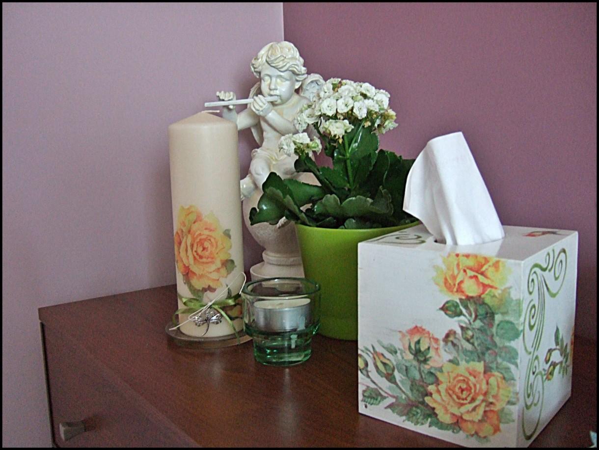 Pozostałe, decopage - komplet z różami do sypialni - na komodzie