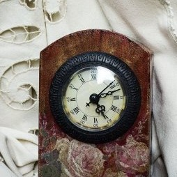 moje decoupageowe zegary .....