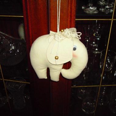Kwiaty ze słoniem