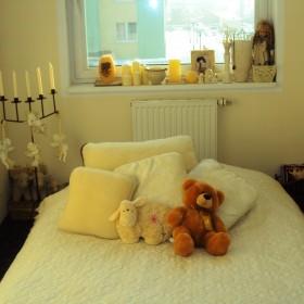 Moja pierwsza skromna sypialnia