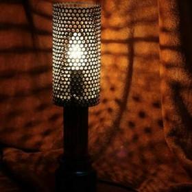 Ozdobna stojąca lampa wyjątkowa