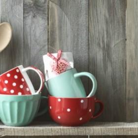 Porządek w kuchni: Jak czyścić drewniane przybory kuchenne?