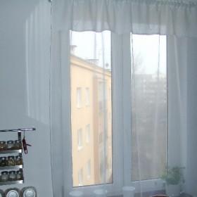 Firanka  w kuchni i poduszki z wiosennym akcentem:-)