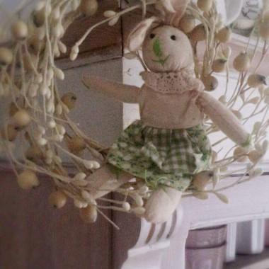 Serdeczne życzenia radości i siły płynącejz istoty Świąt Wielkanocnych,by uśmiech i wiosenny optymizmtowarzyszyły Wam każdego dnia...