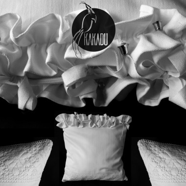 Białe poduszki dekoracyjne