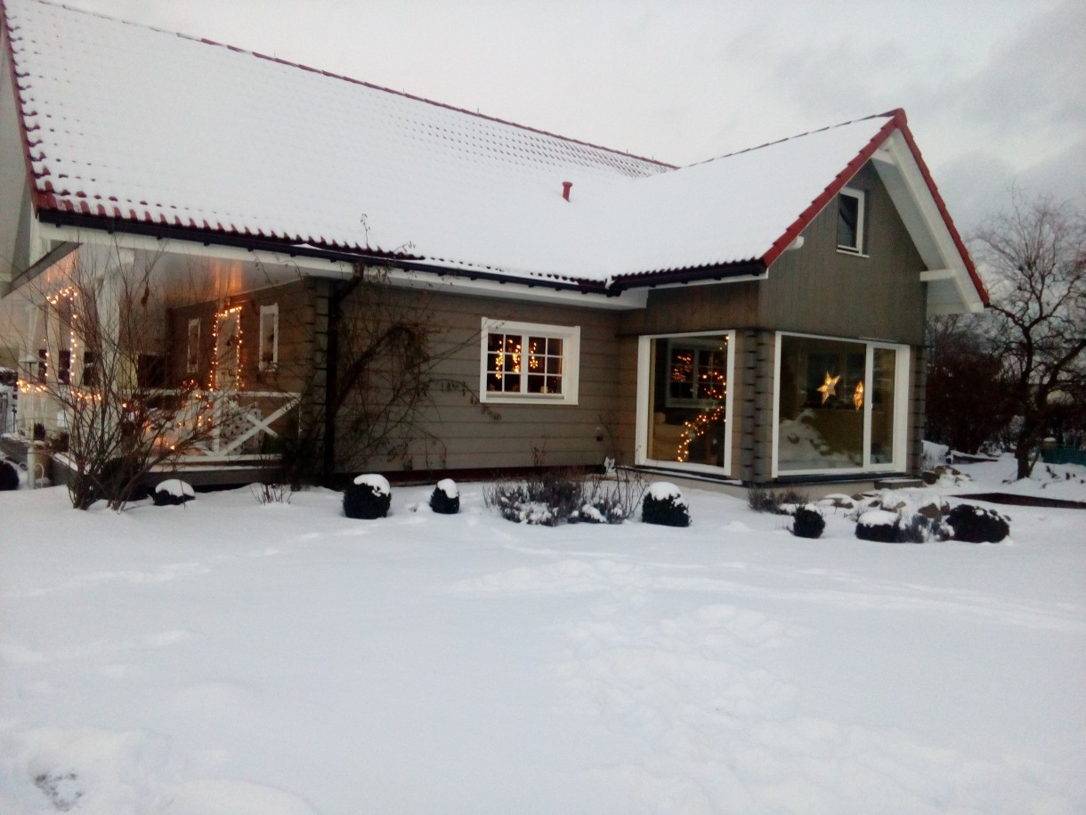 Salon, Nasz domek pod śnieżną kołderką