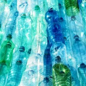 Kreatywne pomysły na wykorzystanie plastikowych butelek
