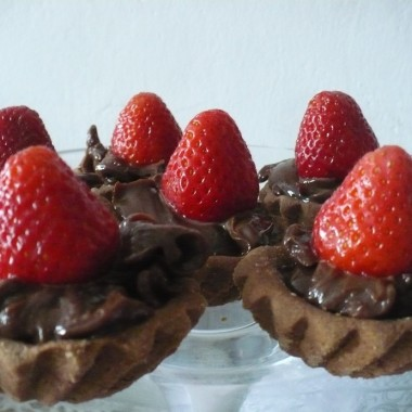 ..........i babeczki czekoladowe z truskawką..................