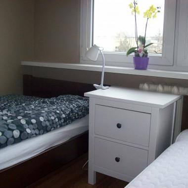 sypialnia i kącik komputerowy