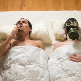 Jak pozbyć się zapachu papierosów z mieszkania?