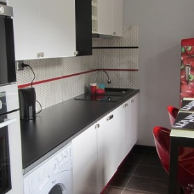 M1 Wąska kuchnia - zamiana położenia drzwi wejściowych do kuchni