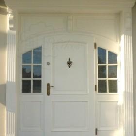Drzwi wejściowe zewnętrzne drewniane