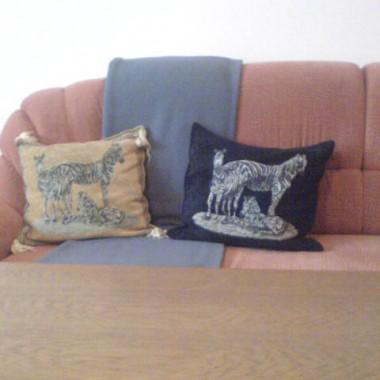 poduszki na kanapie