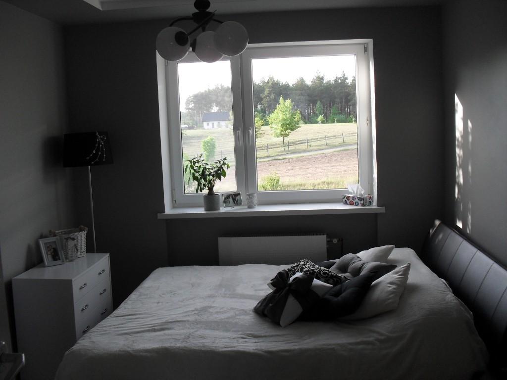 Zdjęcie 28 W Aranżacji Biało Szara Sypialnia Muśnięta