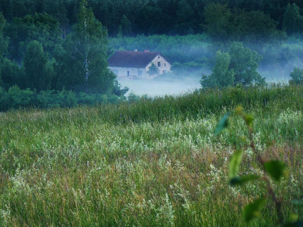 Realizacje, Widoki z Wonnego Wzgórza - a wieczorem zapadają mgły, chodzę wcześnie spać, bo zawsze jestem padnięta po całym dniu pracy i poremontowego sprzątania.