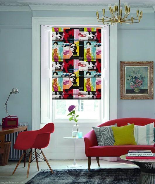 Pozostałe, pokój dla dziecka - pokój dla nastolatki, błękitne ściany, czerwone / różowe detale, wzorzysta roleta