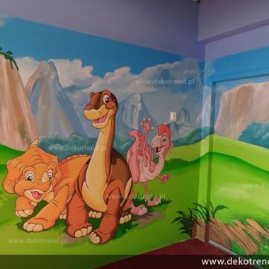 artystyczne malowanie ścian, malowidła ścienne, malunki na ścianie, pokój dziecięcy, pokój dla dziecka, pokój dla dziewczynki, pokój dla chłopca, dekoracja ścian, Dinozaury
