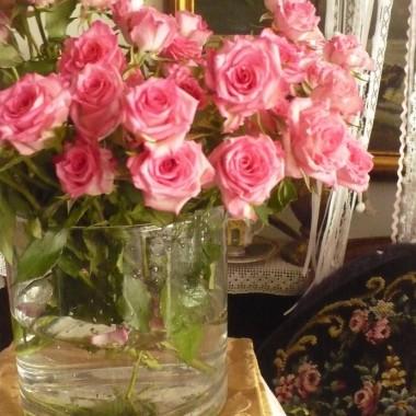 ................i róże ................delikatne.................różowe................radosne..................