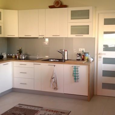 Moja biała nowa kuchnia
