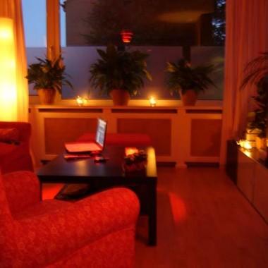 Pokój dzienny w romantycznej atmosferze..