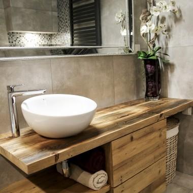 Meble ze starego drewna do łazienki