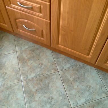 jaki kolor ścian w kuchni?