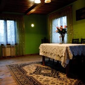 Tymczasowa sypialnia w salonie