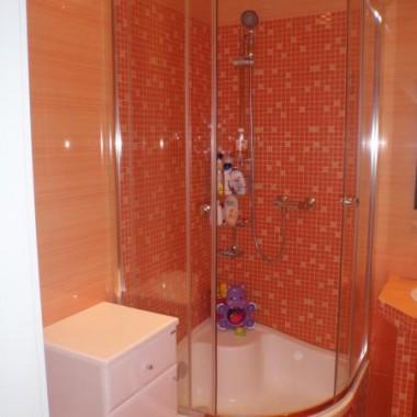 Moja pomarańczowa łazienka.