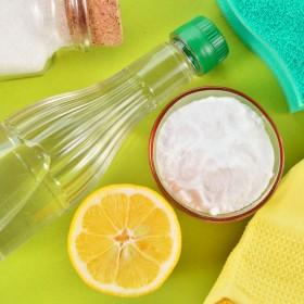 20 trików na tanie sprzątanie. Te produkty zastąpią chemikalia