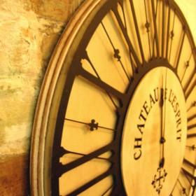 Duży dekoracyjny zegar w stylu średniowiecznym Polskie rękodzieł