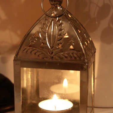 Mój wczorajszy zakup,mała latarenka w trochę orientalnym stylu.Już ją uwielbiam!!!