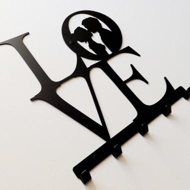 Metalowy wieszak ścienny na ubrania klucze - LOVE