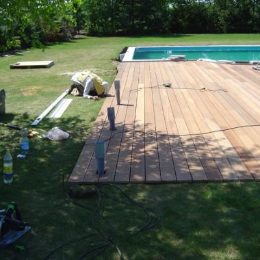 Taras drewniany przy basenie. Realizacja w Polkowicach.
