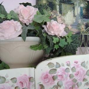 Drobiazgi z motywem róży