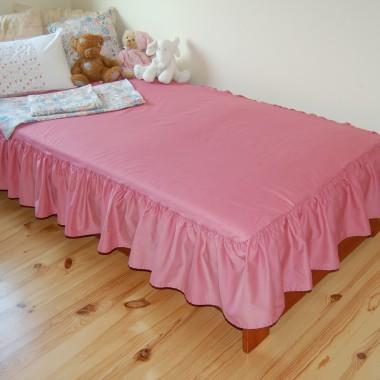 Sprzedam narzutę + 3 poszewki na poduszki+ materiał