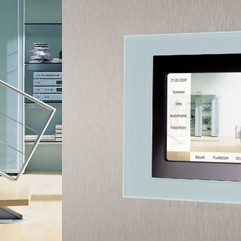 W tej galerii znajdziecie Państwo wnętrza z zastosowaniem produktów renomowanej, niemieckiej firmy Jung, która jest naszym partnerem. Po szczegóły zapraszam tutaj: http://deccoria.pl/forum/temat,42,2092,inteligentne-instalacje---nowoczesne-dom-poprzez-wzornictwo-i-rozwiazania