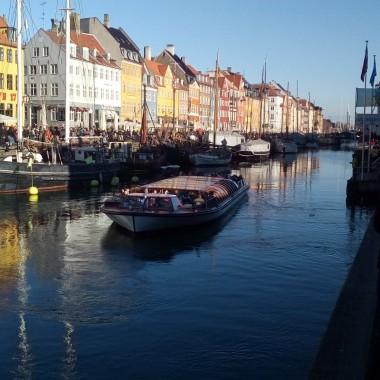 Zapraszam na spacer ze mną :)Kilka fotek, z którymi kojarzy mi się Kopenhaga i duńskie wzornictwo.