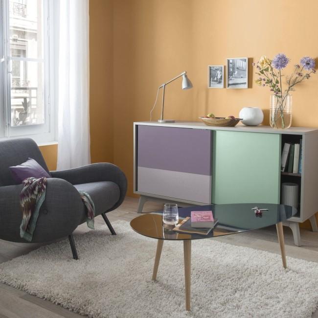 Dekoracje, Kolory Szczęścia - Energetyzujący pomarańcz Farba GoodHome Premium Granada to emulsja o matowym wykończeniu i energetyzującym pomarańczowym kolorze. Charakteryzuje się doskonałą jakością i prostym sposobem nakładania. Wspaniale dopełni wnętrze w nowoczesnym, awangardowym stylu.