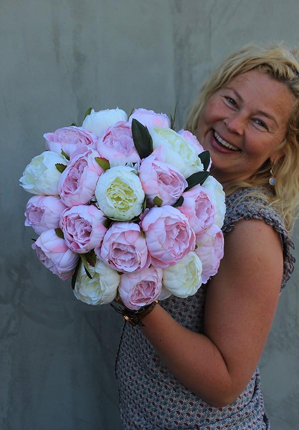 Realizacje, Flowerboxy pełne sztucznych kwiatów