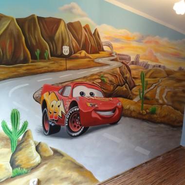 artystyczne malowanie ścian, malowidła ścienne, malunki na ścianie, pokój dziecięcy, pokój dla dziecka, pokój dla dziewczynki, pokój dla chłopca, dekoracja ścian, Auta