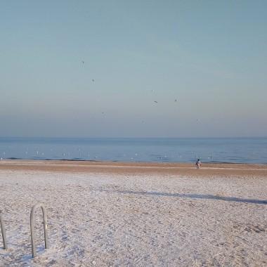 ................i dzisiejsze morze w błękitnym kolorze..............