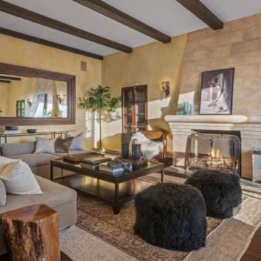 Aaron Paul sprzedał dom