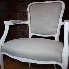 nowe życie dwóch starych krzeseł