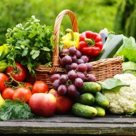 Ogródek na balkonie - jakie warzywa i owoce posadzić?