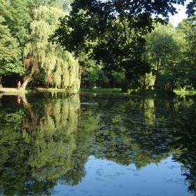 W parku i nad wodą.