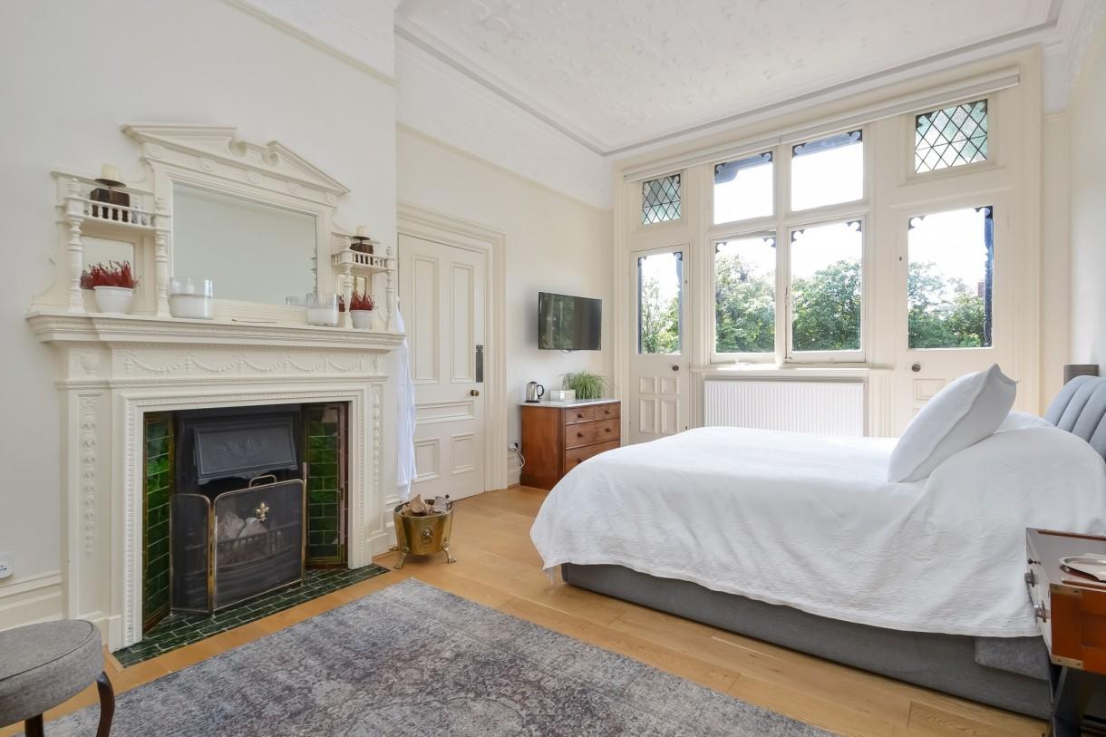 Domy i mieszkania, Tajemnicza posiadłość Brankesmere wystawiona na sprzedaż