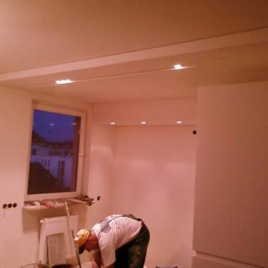 Zabudowy ozdobne wraz z oświetleniem/